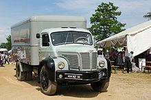 Vieux Camion Mercedes L  Amenage En Camping Car