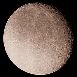 Rhea (moon) from Voyager 1.jpg