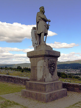 Scotland in the Middle Ages - The statue near Stirling commemorating Robert I