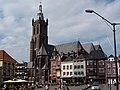 Roermond 2010-04-19 – Marktplatz mit Christoffelkathedrale am Stadthaus - panoramio.jpg