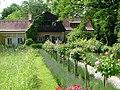 Rosenbaumallee vor dem Gasteiger Haus - panoramio.jpg
