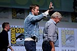 Ryan Gosling & Harrison Ford (36067400091).jpg