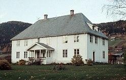 Sør-Aurdal prestegård T144 01 0137.jpg