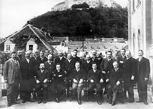 Slovene People's Party (historical) - Representatives of the Slovene People's Party in the Provincial Diet of Carniola shortly before World War I. The party's president Ivan Šušteršič sits in the middle.