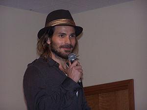 Chilean Americans - Actor Santiago Cabrera