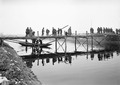 Sappeure beim Bau einer Kolonnenbrücke - CH-BAR - 3238050.tif