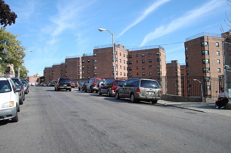 File:Schlobohm Gardens Complex.Yonkers.NY - panoramio.jpg