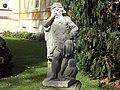 Schlosspar Rammenau Skulptur.jpg