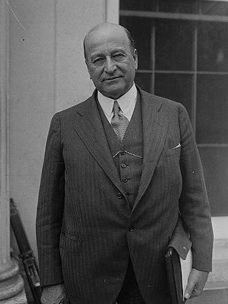 Henry Justin Allen - Image: Sen. Henry J. Allen of Kansas, 10 16 29 LCCN2016844141 (cropped half length)