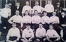 18e08379a A equipe unida em 28 de setembro de 1895 antes de uma partida contra o  Stoke City.