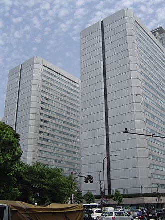 Berlitz Japan - Berlitz Japan HQ are located in the east (left) tower of the Shin Aoyama building