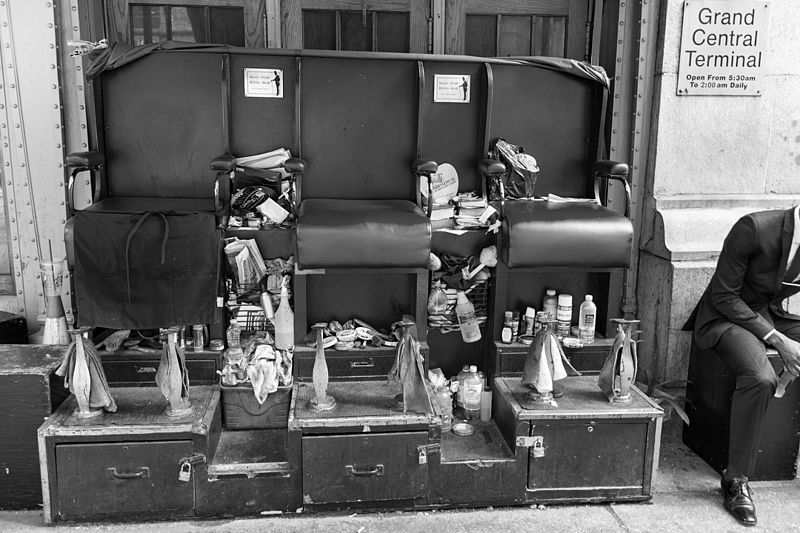 File:Shoeshine Stand - New York, NY, USA - August 18, 2015 02.jpg