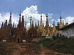 Shwe Indein Pagoda 10.jpg