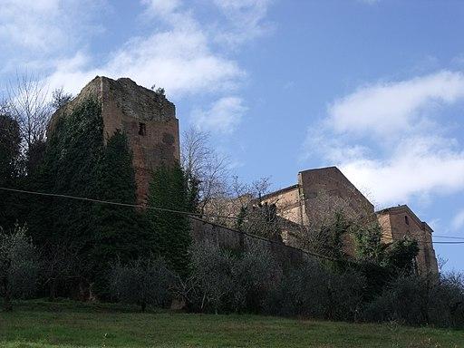 Mura di Siena vicino alla chiesa di San Francesco