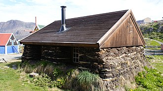 Sisimiut Museum - A traditional Greenlandic peat house, reconstructed at the Sisimiut Museum.