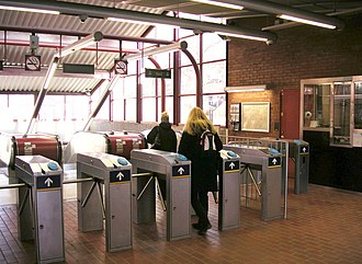 Skarpnäck metro station - Escalator access to the underground platform