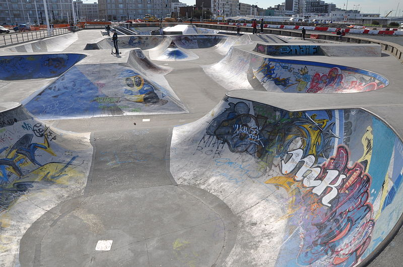 File:Skatepark in Le Havre (2).JPG