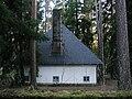 Skogskyrkogården Skogskapellet Baksidan.jpg