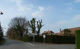 Artiguelouve - Exit from the village