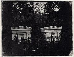 Southworth and Hawes - Gräber von W. Read und S.O. Mead , Ailianthusweg, Mount Auburn Friedhof (Zeno Fotografie).jpg