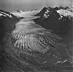 Spencer Glacier, terminus of valley glacier, and arete peaks with glaciers, September 3, 1977 (GLACIERS 6874).jpg