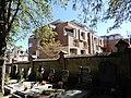 Střešovický hřbitov a Domov důchodců v Cukrovarnické ulici.jpg