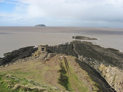 Steep Holm & Flat Holm from Brean Down. - panoramio