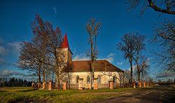 Stendes luterāņu baznīca un kapliča4.jpg