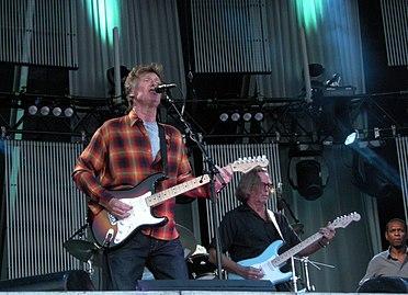 nel 2010 in tour con Eric Clapton