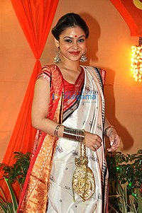 Sumona Chakravarti graces Durga Pooja (13).jpg