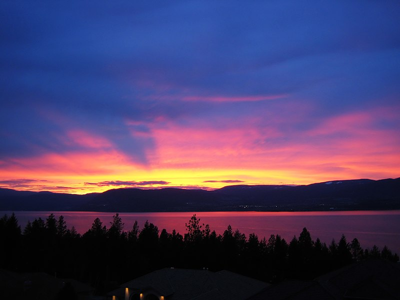 File:Sunset Kelowna, Okanagan Lake.jpg