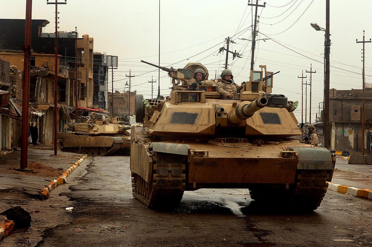 Что если в бою столкнутся Т-80 и Абрамс?