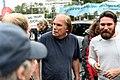 Tegel-Fan in der Diskussion mit Demonstranten (49064710013).jpg