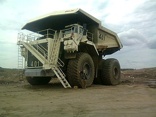 Terex American worldwide manufacturer of lifting and material-handling plant