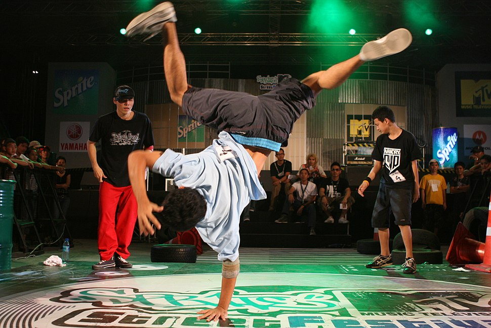Thai Breakdancers