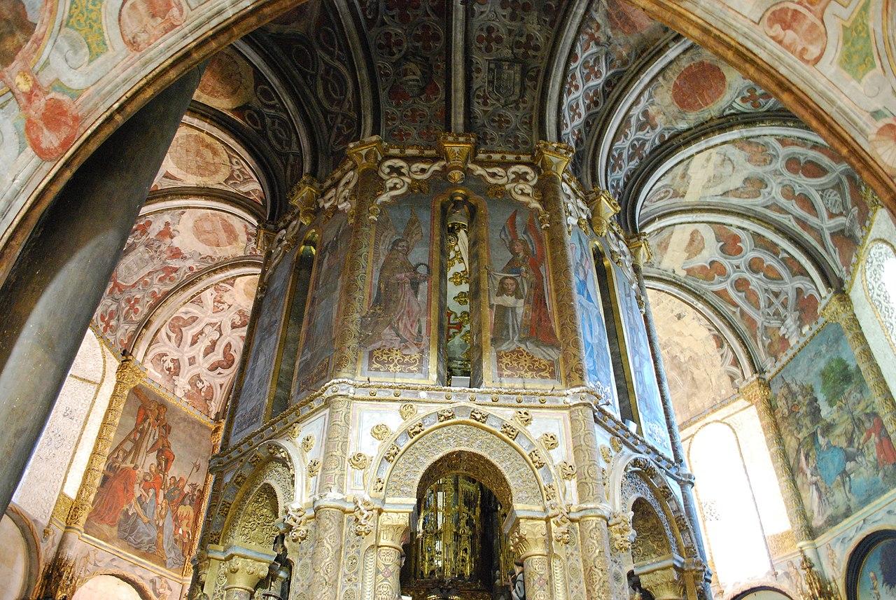File:Tomar - Convento de Cristo - Charola (4).jpg - Wikimedia Commons