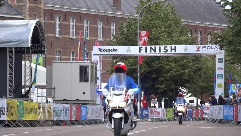 File:Tongeren - Ronde van Limburg, 15 juni 2014 (E005A).ogv
