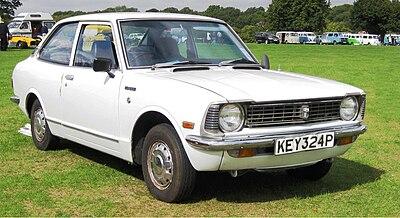 400px-Toyota_Corolla_E20_April_1976_1166cc.JPG