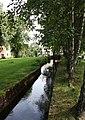 Tumbaån flyter genom parken vid Tumba Pappersbruk.jpg