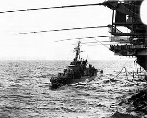 USS English - Image: USS English (DD 696) refueling from USS Independence (CVA 62) in October 1962