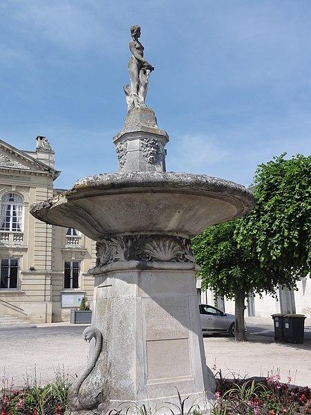 Vailly-sur-Aisne (Aisne) Fontaine