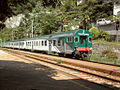Varenna-Esino-Perledo staz ferr treno RE Milano-Tirano.JPG