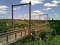 Viaduto ferroviário próximo à Estação Engenheiro Acrísio - Variante Boa Vista-Guaianã km 168 em Mairinque - panoramio.jpg
