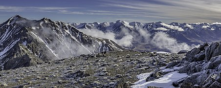View to Castle Hill Peak from Red Peak, Torlesse Range, New Zealand.jpg