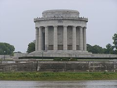Vincennes Indiana Memorial.jpg