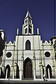 Vista general del frontis de la Iglesia del Corazón de María.jpg