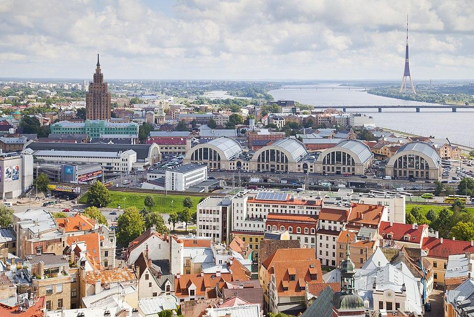 Vistas desde la iglesia de San Pedro, Riga, Letonia, 2012-08-07, DD 09