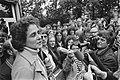 Voorzitter Anneke Goudsmit spreekt bezettende vrouwen bij Bloemenhove in Heemste, Bestanddeelnr 928-6197.jpg