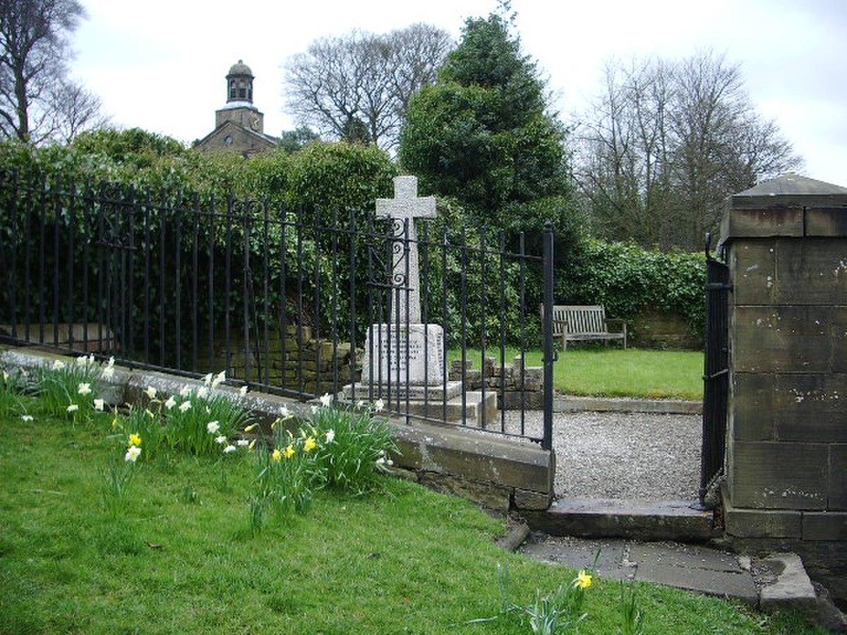 War memorial, Holme Chapel - geograph.org.uk - 770587.jpg
