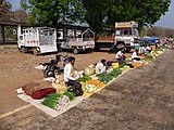 Weekly market at the junction of Chattisgarh and Madhya Pradesh AJTJ P1090664.jpg